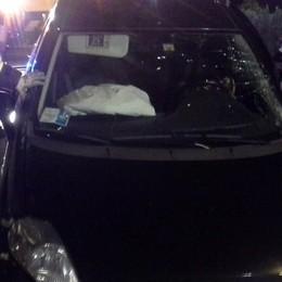 Como: 4 feriti in uno scontro  Auto ribaltata a Olgiate