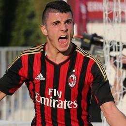 Niente ritiro con il Milan Petagna verso il Como