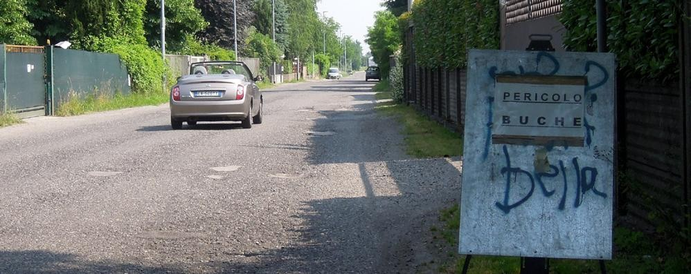 Pace tra Mariano e Cabiate  Via Alfieri si può asfaltare