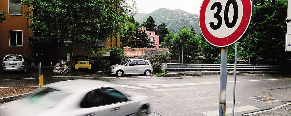Como, limite dei 30 all'ora  Revoca per via Bellinzona