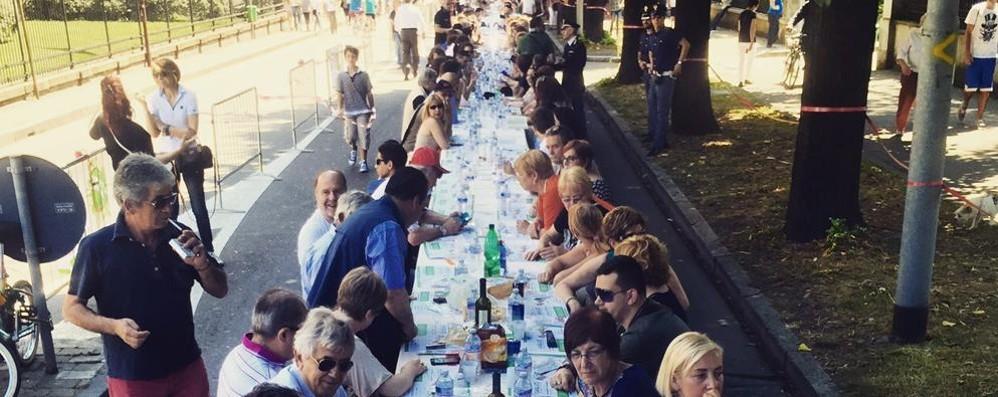 Expo, arriva il record  per la tovaglia di Como