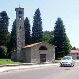Campanile storto e tetto da rifare  Albese si mobilita per San Pietro