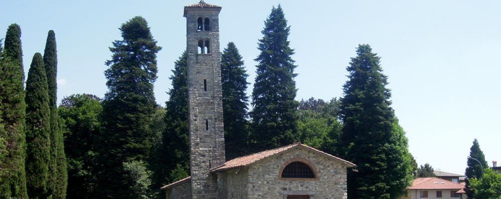 Campanile storto e tetto da rifare Albese si mobilita per San Pietro ...
