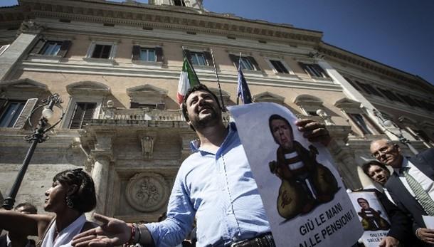 Salvini, Renzi ormai al piano E