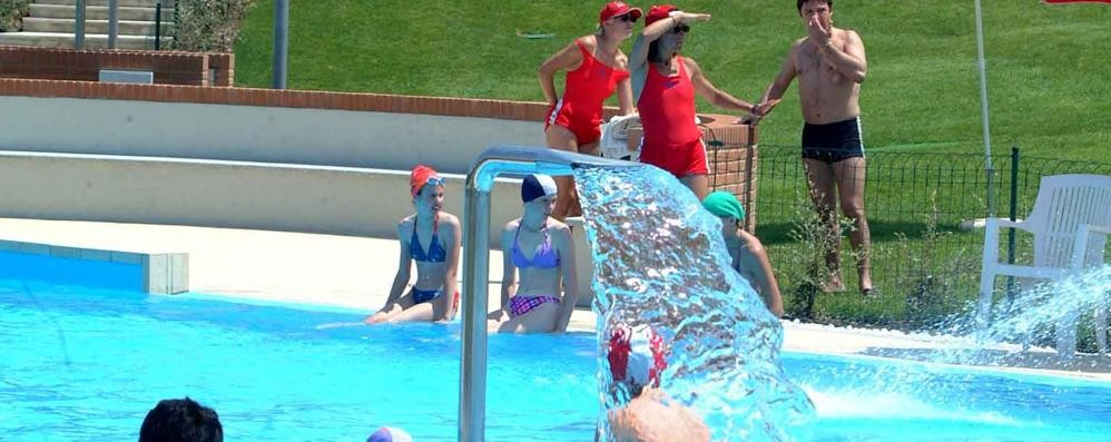 Mariano snobbata la convenzione i grest alla piscina di for Piscina giussano