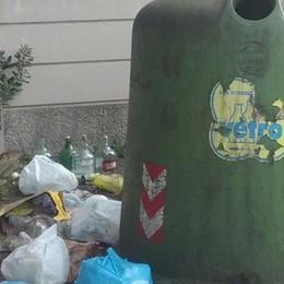 Raccolta dei rifiuti a Lipomo  «Via le campane del vetro»