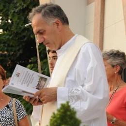Il parroco chiede più cura per Sant'Anna  «Bella la chiesa, ma fuori c'è il degrado»