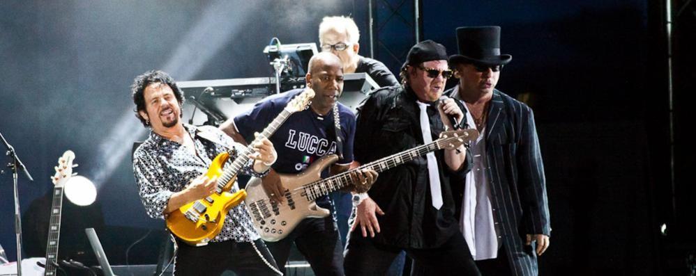 Un gruppo immortale  Milano, Toto in concerto