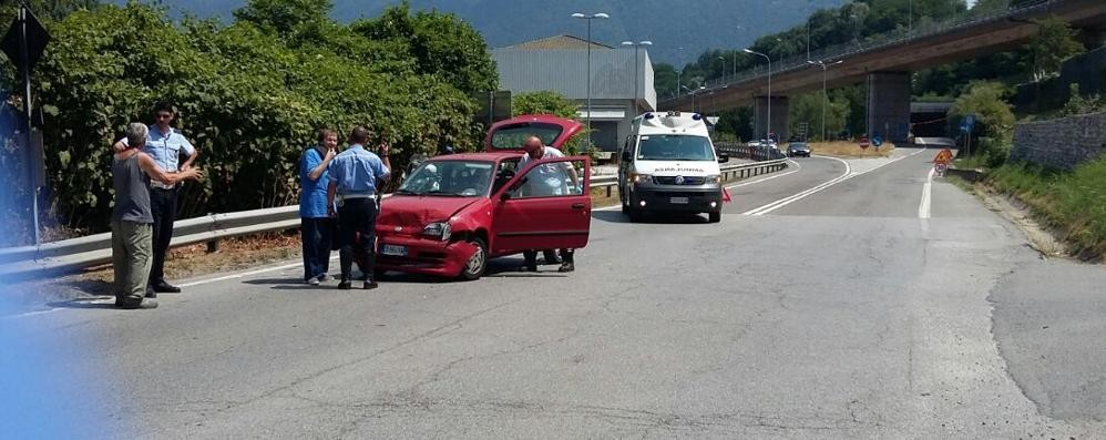 Incidente a Tavernola Tre feriti in via Asiago