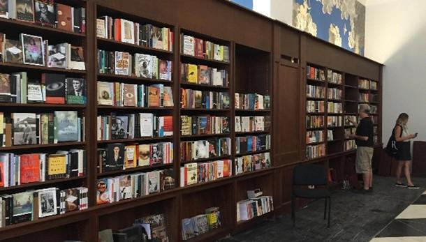 Riapre la libreria Rizzoli a New York