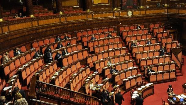 Riforme: slitta termine emendamenti
