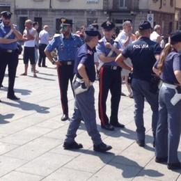 Presidio contro i profughi Alta tensione a Cantù (VIDEO)