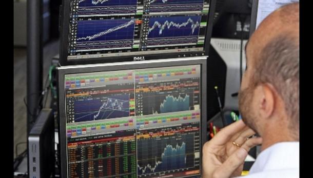 Borsa: Milano apre in rialzo, +0,67%