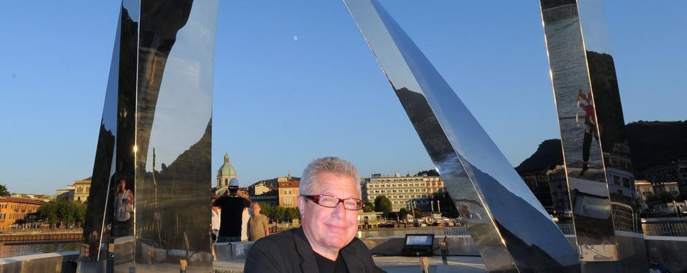 Libeskind in visita sulla diga  «Grande lavoro artigianale»  Vota il sondaggio