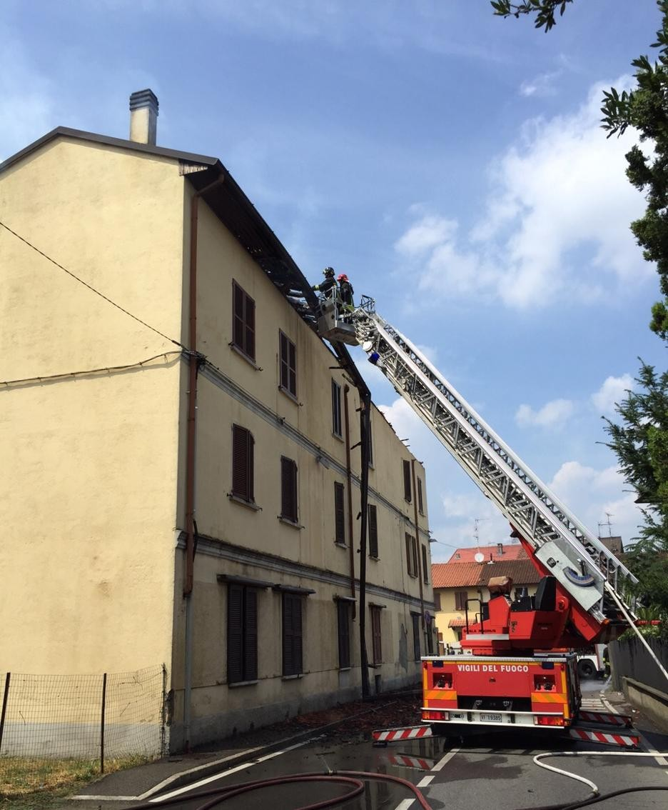 I pompieri in azione a Perticato
