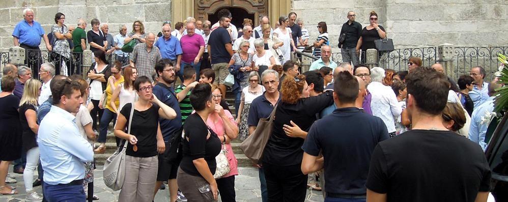 Cantù, una folla a San Teodoro  per l'ultimo saluto a Giancarlo Pozzoli