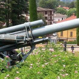 Via il cannone simbolo delle guerre  Lurago si divide sull'idea del sindaco