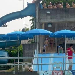 Cantù, piscina all'aperto  Un luglio da record
