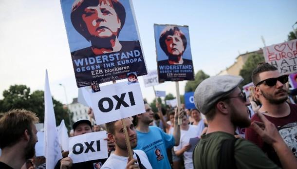 Al no di attivisti greci Merkel dice Nai