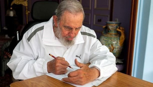Cuba: riappare in pubblico Fidel Castro