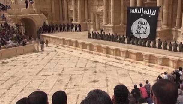 Video Isis, esecuzioni in teatro Palmira