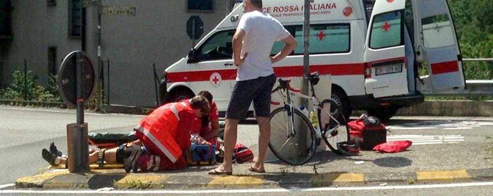 Ciclista investito ad Asso Incidente a Pian del Tivano