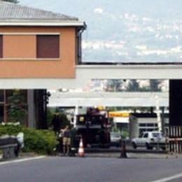 """""""Frontaliere"""" della marijuana  Arrestato al valico di Bizzarone"""