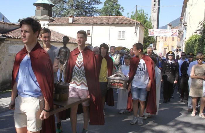 Ossuccio sagra Isola processione sul'isola
