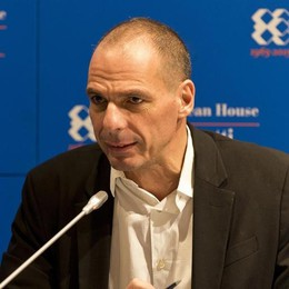 "Addio Varoufakis, lascia   la ""star"" applaudita a Cernobbio"
