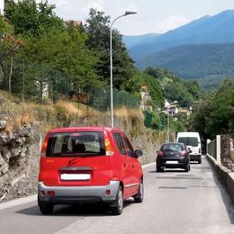 In Comune arrivano 100 firme  «Rallentate quelle automobili»