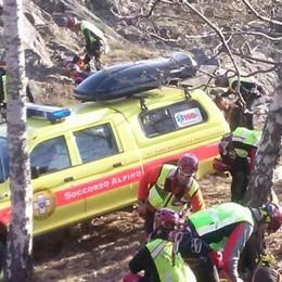 Perde il sentiero e finisce sul dirupo  Soccorso alpino e pompieri a San Siro