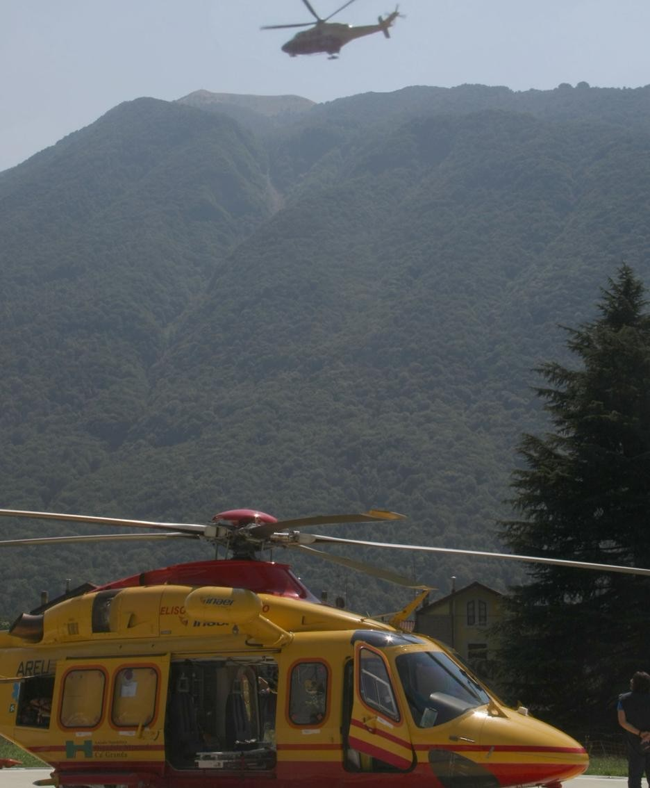 Due gli elicotteri intervenuti