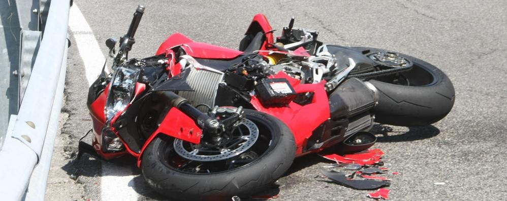 Incidente a Claino  Gravi due motociclisti