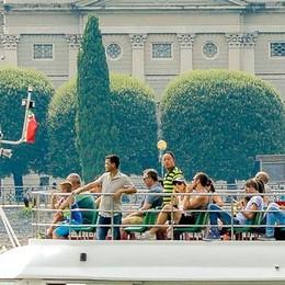 Turismo: Como tira  Ma serve una svolta
