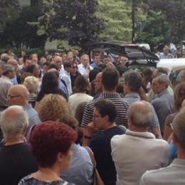 Una folla a Brenna per l'addio a Barilani