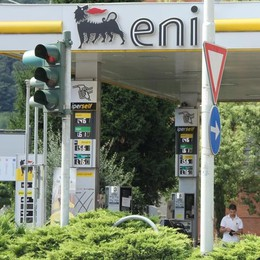 La difesa dei benzinai: «Caro benzina, colpa delle compagnie»