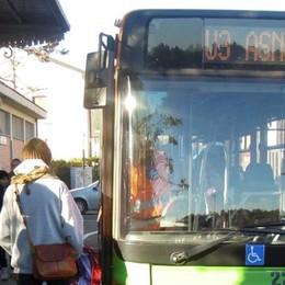 Stazione di Cantù, i pendolari  «Lasciateci la navetta gratuita»