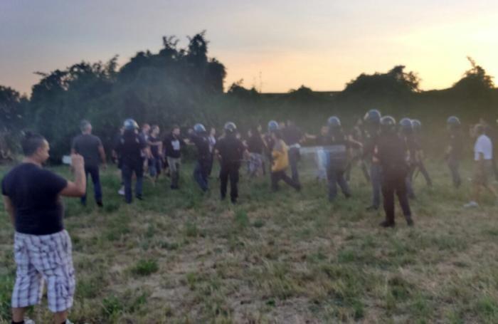 Salvini a Lomazzo festa lega nord, contestazione