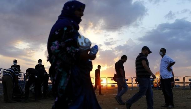 Siria: Mosca, i nostri non combattono