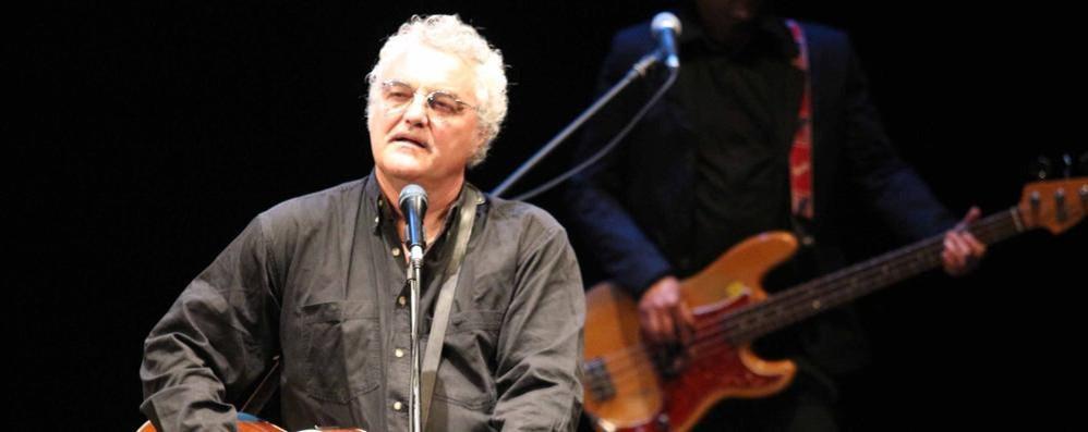 Massimo Bubola a LaProvincia.it  Parla di Grande Guerra, De Andrè e 40 anni di canzoni e poesie