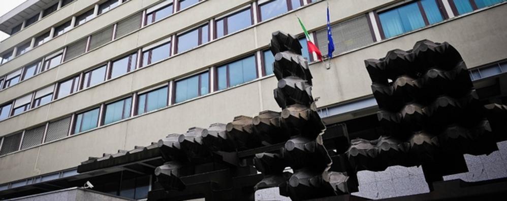 «Il verbale dell'incidente fu falsificato»  A processo il dirigente della polizia