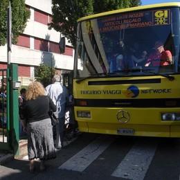 Carugo, addio allo scuolabus  Ma i cancelli aprono alle 7.30