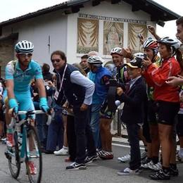 Giornata della bicicletta  Primo round sul Ghisallo