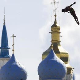 Un tuffo sul Cremlino a Kazan Campione premia Perottino