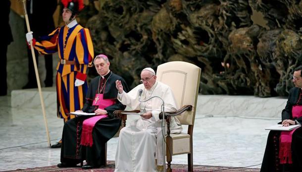 Istanbul: Papa, Dio converta i violenti