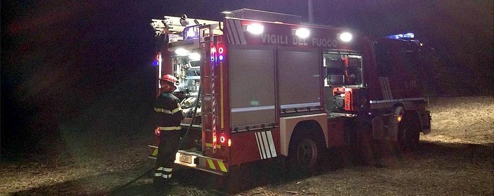 Bosco in fiamme  a Fabbrica Durini