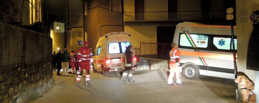 Botte al sindaco di Caslino d'Erba  durante un sopralluogo