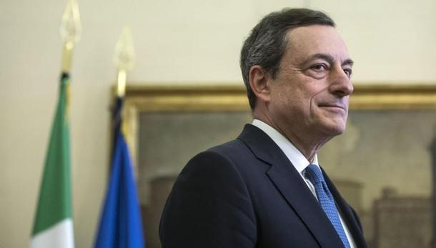 Draghi,prospettive inflazione meno rosee
