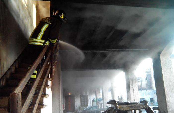Vigili del fuoco a  Carugo
