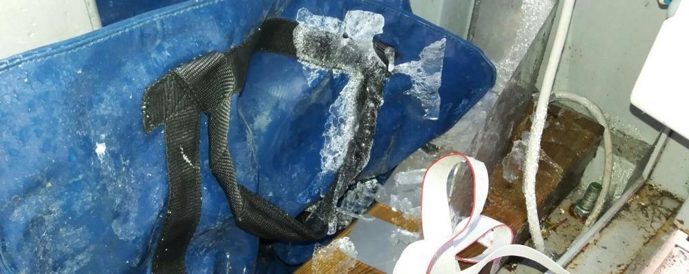 Bulgaro, il gelo fa scoppiare i tubi  La casetta dell'acqua è fuori uso